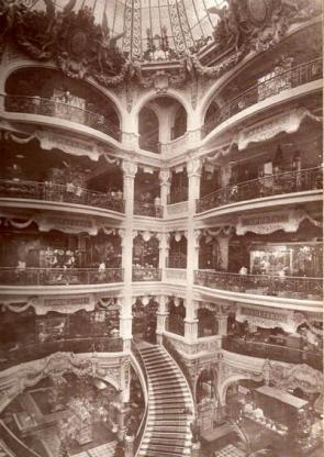 Interior de la Tienda Principal de Gath y Chavez