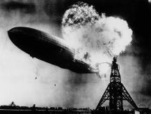 Hindenburg al momento de su explosión