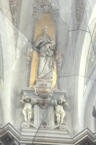 Estatuas que se encuentran en la Cúpula del Salón