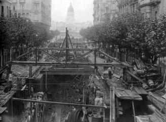 Avenida de Mayo, de fondo el Congreso.